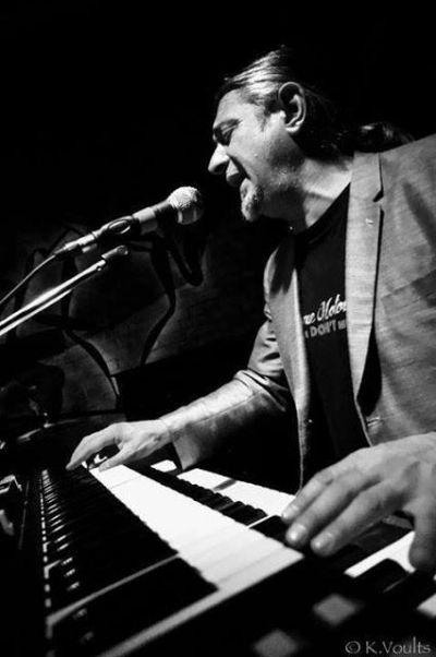 Υiannis Monos and Τhe Blues Family | guest: Γιώργος Χατζόπουλος